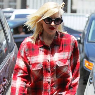 Gwen Stefani, No Doubt in Gwen Stefani Visits Jesun Acupuncture Clinic