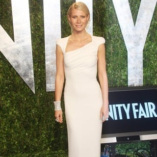 Gwyneth Paltrow in 2012 Vanity Fair Oscar Party - Arrivals