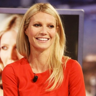 Gwyneth Paltrow Appears on El Hormiguero TV Show - gwyneth-paltrow-appears-on-el-hormiguero-tv-show-05