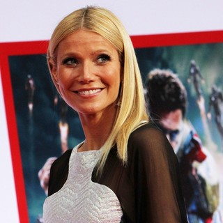 Gwyneth Paltrow in Iron Man 3 Los Angeles Premiere - Arrivals - gwyneth-paltrow-premiere-iron-man-3-04
