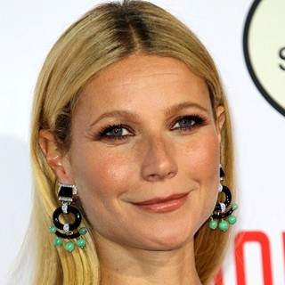 Gwyneth Paltrow - Los Angeles Premiere of Mortdecai - Red Carpet Arrivals