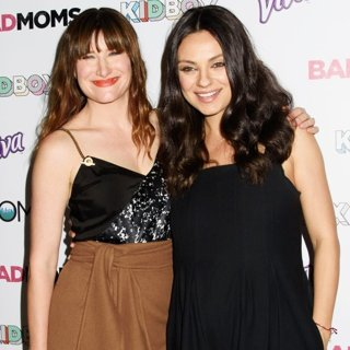 Kathryn Hahn, Mila Kunis-Bad Moms Mamarazzi Screening
