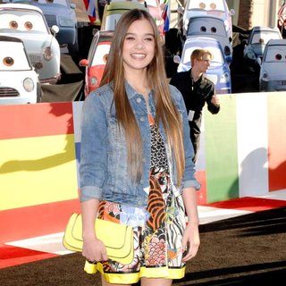Hailee Steinfeld in The Los Angeles Premiere of Cars 2 - Arrivals