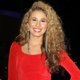 Haley Reinhart in The 4th Annual Holiday Christmas Tree Lighting Ceremony and The Opening of LA Kings