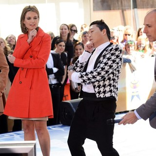 Matt Lauer in PSY Performing Live as Part of NBC's Today Show Concert Series - hall-guthrie-psy-lauer-today-show-concert-series-01