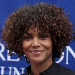 Halle Berry in 19th Annual EIF Revlon Run Walk
