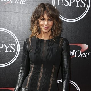 Halle Berry - The 2015 ESPYs - Red Carpet Arrivals