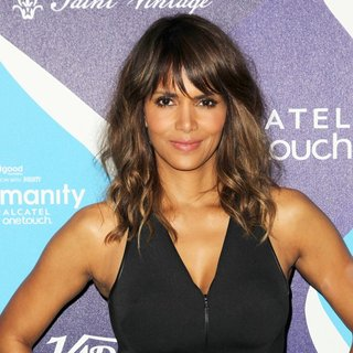 Halle Berry in 2nd Annual unite4:humanity Presented by ALCATEL ONETOUCH - Arrivals