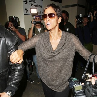 Halle Berry Arrives at LAX Airport with Olivier Martinez and Nahla Aubry
