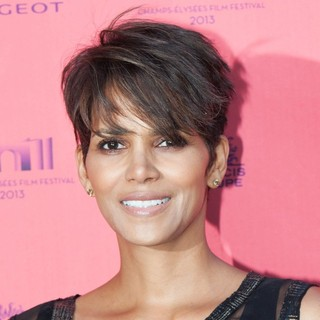 Halle Berry in Champs-Elysees Film Festival 2013 - Toiles Enchantees - Premiere
