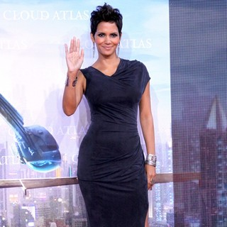 Halle Berry in The European Premiere of Cloud Atlas - Red Carpet Arrivals
