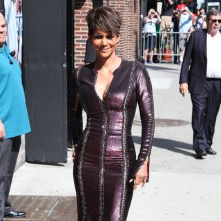 Halle Berry Arrives for The Late Show with David Letterman