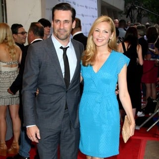 Jon Hamm, Jennifer Westfeldt in The Cinema Society with The Hollywood Reporter Screening of To Rome with Love