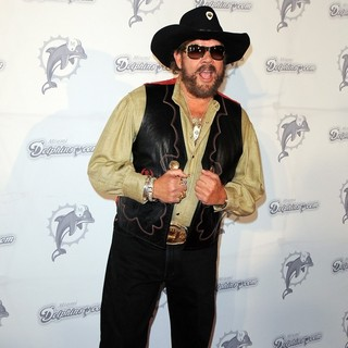 Hank Williams Jr. in The Miami Dolphins vs The New England Patriots NFL Monday Night Football Game - hank-williams-jr-nfl-monday-night-football-game-01
