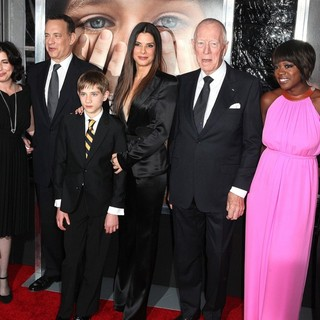 Stephen Daldry, Sue Kroll, Tom Hanks, Thomas Horn, Sandra Bullock, Max von Sydow, Viola Davis, Jeffrey Wright in The New York Premiere of Extremely Loud and Incredibly Close - Arrivals