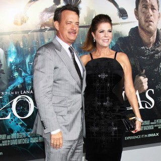 Rita Wilson in The Cloud Atlas Los Angeles Premiere - hanks-wilson-premiere-cloud-atlas-02