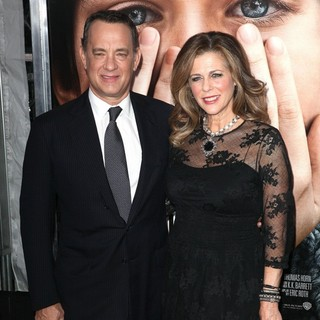 Tom Hanks, Rita Wilson in The New York Premiere of Extremely Loud and Incredibly Close - Arrivals