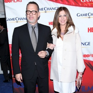 Tom Hanks, Rita Wilson in New York Premiere of Game Change - Arrivals