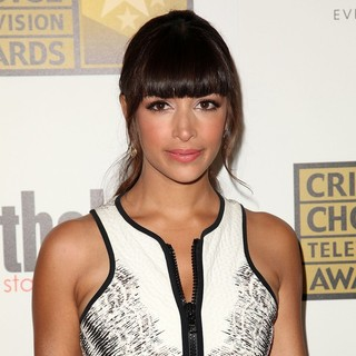 Hannah Simone in 2012 Critics' Choice TV Awards - Arrivals