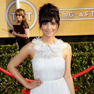 Hannah Simone in The 20th Annual Screen Actors Guild Awards - Arrivals