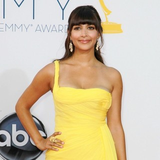Hannah Simone in 64th Annual Primetime Emmy Awards - Arrivals
