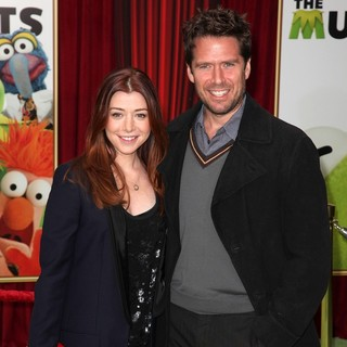 Alyson Hannigan, Alexis Denisof in The Premiere of Walt Disney Pictures' The Muppets - Arrivals