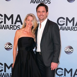 Patty Hanson, Charles Esten in 47th Annual CMA Awards - Red Carpet