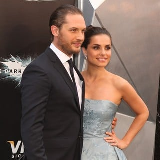 Tom Hardy in The Dark Knight Rises New York Premiere - Arrivals - hardy-riley-premiere-the-dark-knight-rises-01
