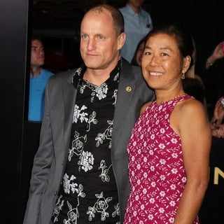 Woody Harrelson in Los Angeles Premiere of The Hunger Games - Arrivals - harrelson-louie-premiere-the-hunger-games-01