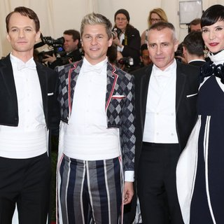 Neil Patrick Harris, David Burtka, Thom Browne, Amy Fine in Charles James: Beyond Fashion Costume Institute Gala - Arrivals