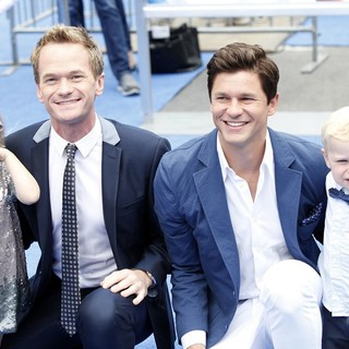 Neil Patrick Harris, David Burtka in The Los Angeles Premiere of The Smurfs 2 - Arrivals