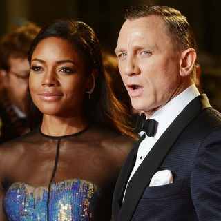 Naomie Harris, Daniel Craig in World Premiere of Skyfall - Arrivals