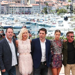 Jared Harris, Jean Reno, Charlize Theron, Javier Bardem, Adele Exarchopoulos, Sean Penn, Zubin Cooper in 69th Cannes Film Festival - The Last Face - Photocall