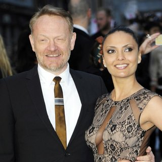 Jared Harris in U.K. Premiere of Noah - Arrivals - harris-riggio-uk-premiere-noah-01
