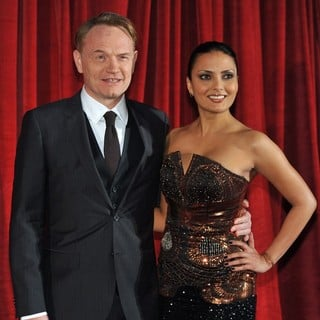 Jared Harris, Allegra Riggio in Sherlock Holmes: A Game of Shadows Premiere - Arrivals