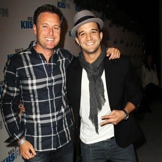 Chris Harrison, Mark Ballas in KIIS FM's 2012 Jingle Ball - Night 2 - Arrivals