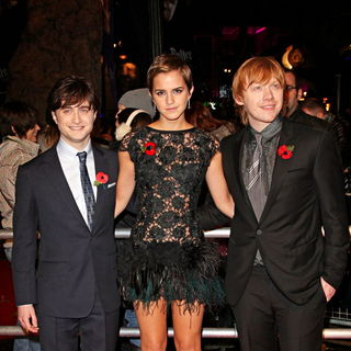 Daniel Radcliffe, Emma Watson, Rupert Grint in World Premiere of 'Harry Potter and the Deathly Hallows: Part I' - Arrivals