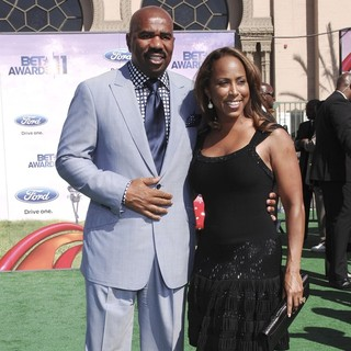 Steve Harvey, Marjorie Bridges in BET Awards 2011