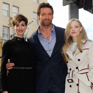 Anne Hathaway, Hugh Jackman, Amanda Seyfried in Hugh Jackman Is Honoured with A Hollywood Star on The Hollywood Walk of Fame