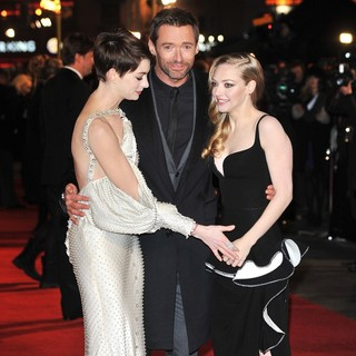 Anne Hathaway, Hugh Jackman, Amanda Seyfried in Les Miserables World Premiere - Arrivals