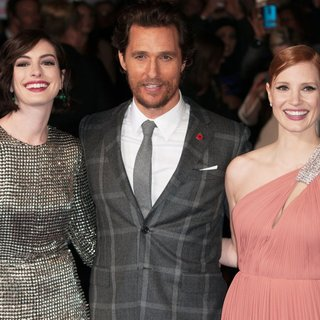 Jessica Chastain in UK Premiere of Interstellar - Arrivals - hathaway-mcconaughey-chastain-uk-premiere-interstellar-01