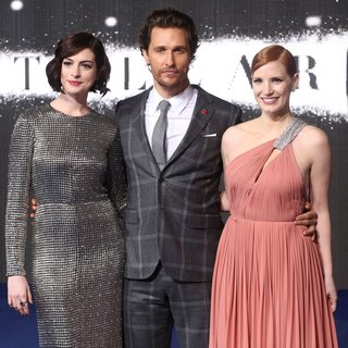 Jessica Chastain in UK Premiere of Interstellar - Arrivals - hathaway-mcconaughey-chastain-uk-premiere-interstellar-02