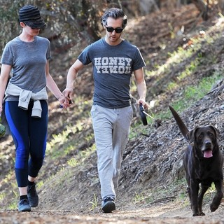 Anne Hathaway, Adam Shulman in Anne Hathaway Jogging with Adam Shulman and Their Dog