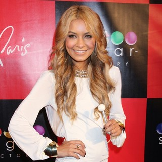 Havana Brown in Grand Opening of The Sugar Factory American Brasserie