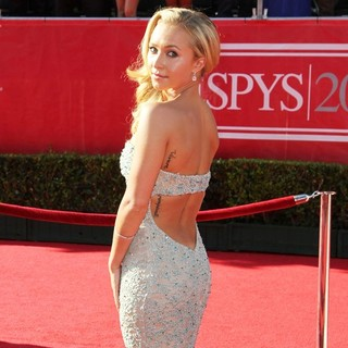 Hayden Panettiere in 2012 ESPY Awards - Red Carpet Arrivals