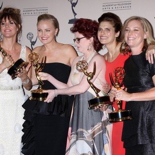 Erinn Hayes, Malin Akerman, Megan Mullally, Lake Bell, Zandy Hartig in 2013 Primetime Creative Arts Emmy Awards - Press Room