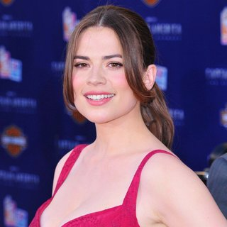 Hayley Atwell in Los Angeles Premiere of Captain America The First Avenger - Arrivals