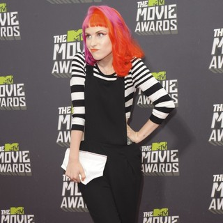 Hayley Williams, Paramore in 2013 MTV Movie Awards - Arrivals