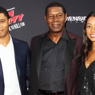 Charles Haysbert, Dennis Haysbert, Katharine Haysbert in Los Angeles Premiere of Sin City: A Dame to Kill For