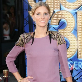 Heather Morris in The World Premiere of Glee The 3D Concert Movie - Arrivals